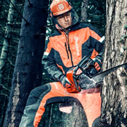 Stay safe and warm – the chainsaw accessories you need to get started